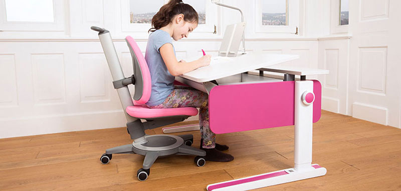 Kinderschreibtisch moll  Moll Champion Kids Desk Adjustable Height - Kids Desk Test and ...